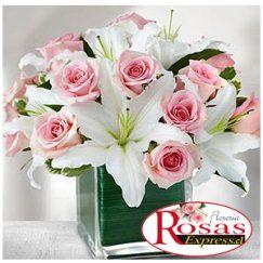 1764 Compacto Arreglo floral de 12 rosas + 05 liliums
