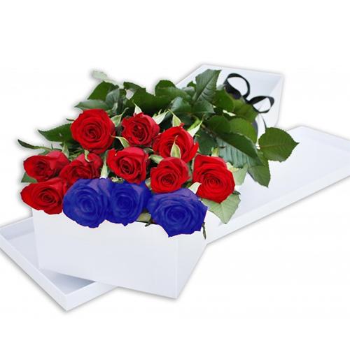 1854 Caja de 12 rosas importadas finamente presentadas