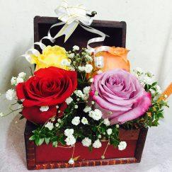 Cofre con 04 Rosas Importadas