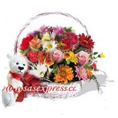 Canasto de Flores surtidas mas Peluche. Producto Rosasexpress Florerias de Chile