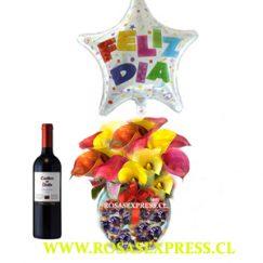 1826 Pecera con chocolates 12 calas coloridas, vino y globo Producto RosasExpress Florerias de Chile
